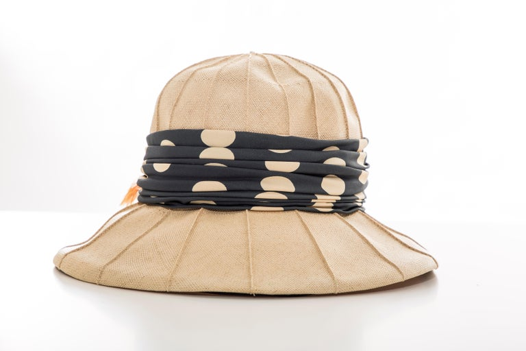Christian Dior Chapeaux Raffia Navy Silk Cream Polka Dots Band, Circa: 1960's In Good Condition For Sale In Cincinnati, OH