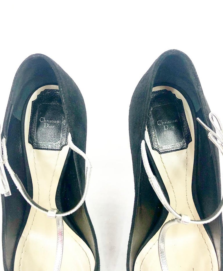 Women's Christian Dior COQUETTE Pump 10mm Black Suede w/ Silver Leather Bow Size 38 For Sale