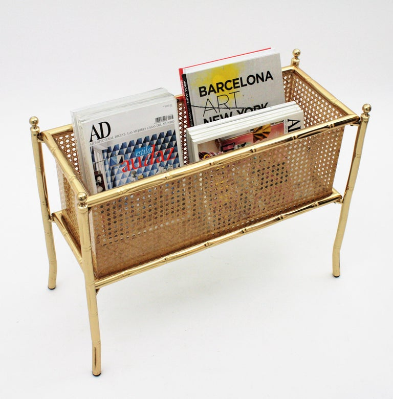 Outstanding Mid-Century Modern rectangular faux bamboo brass, Lucite and wicker floor planter. France, 1970s. Possibly supplied by Christian Dior Home in the manner of Gabriella Crespi. It is comprised of a jardinière with sheets of Lucite with