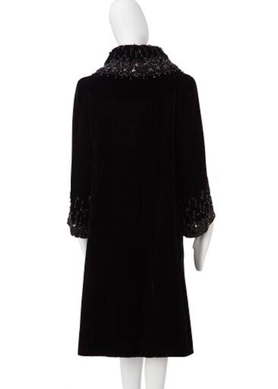 Black Christian Dior, Evening coat in black silk velvet, circa 1956 For Sale