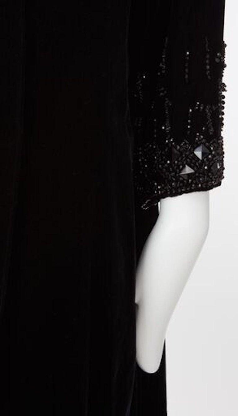 Women's Christian Dior, Evening coat in black silk velvet, circa 1956 For Sale