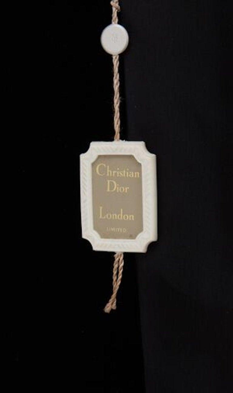 Christian Dior, Evening coat in black silk velvet, circa 1956 For Sale 1