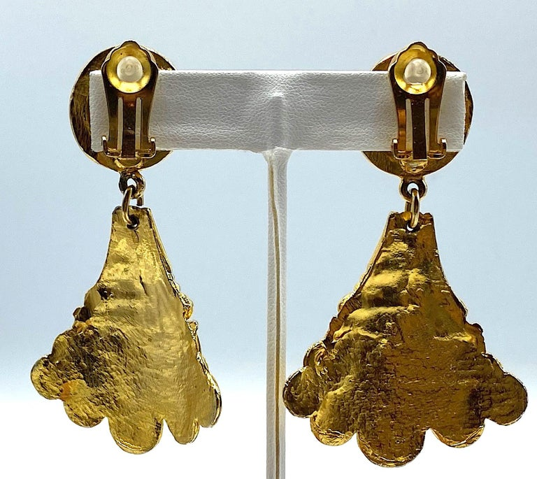 Christian Dior, Grosse Germany Etruscan Style Pendant Earrings from 1974 For Sale 8