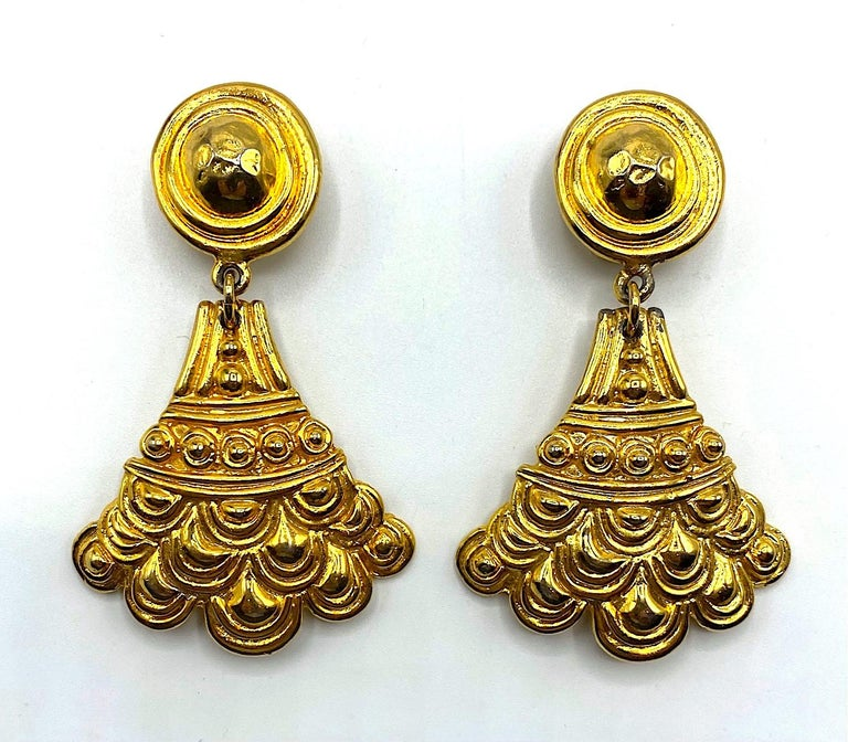 Christian Dior, Grosse Germany Etruscan Style Pendant Earrings from 1974 For Sale 2