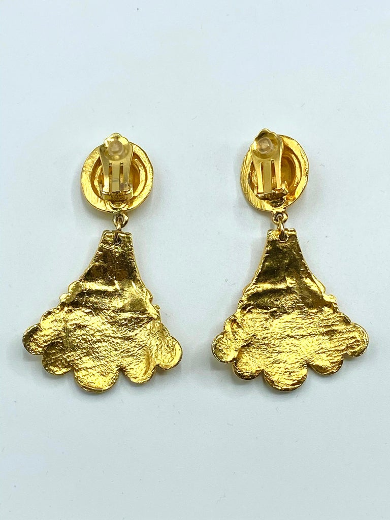 Christian Dior, Grosse Germany Etruscan Style Pendant Earrings from 1974 For Sale 4