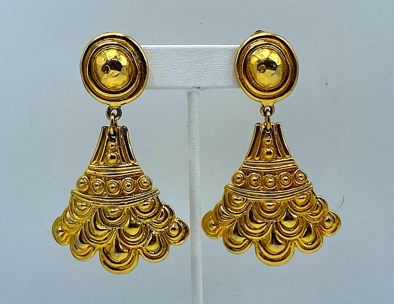 Christian Dior, Grosse Germany Etruscan Style Pendant Earrings from 1974 For Sale 5