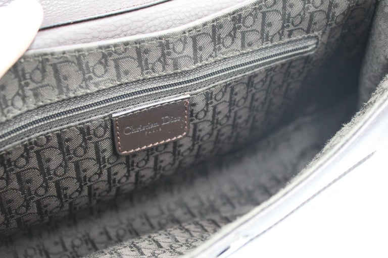 Women's or Men's Christian Dior in brown Leather Street Chic handbag For Sale