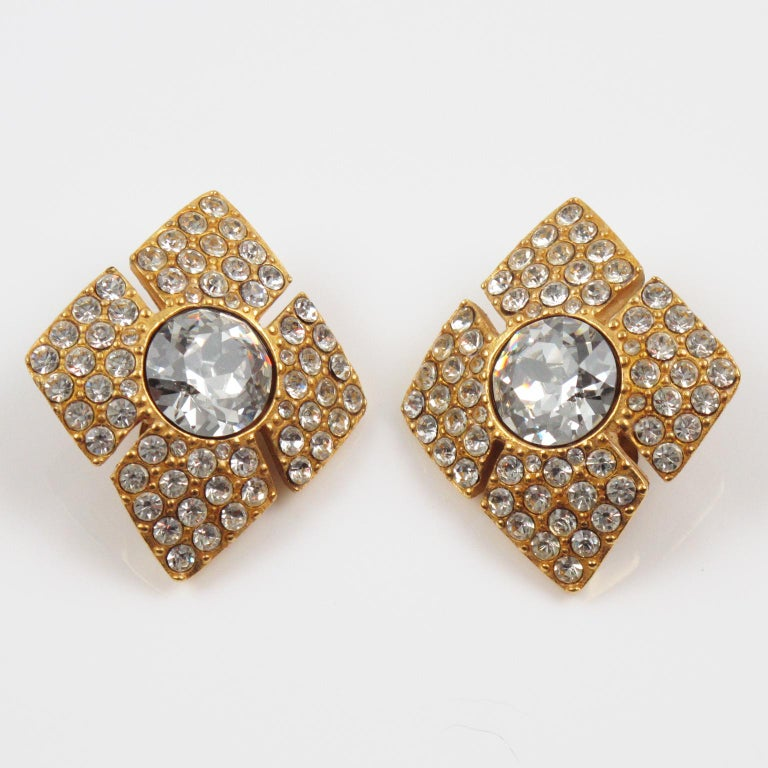 Christian Dior Jeweled Clip Earrings In Excellent Condition For Sale In Atlanta, GA