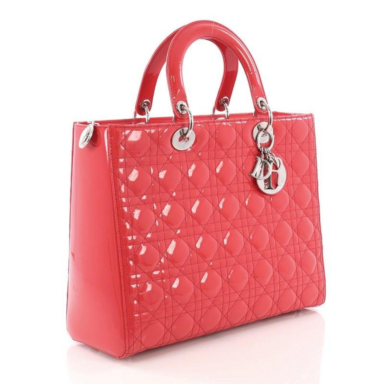 9728fed80d563 Christian Dior Lady Dior Handtasche Cannage gesteppt Lackleder Groß bei  1stdibs