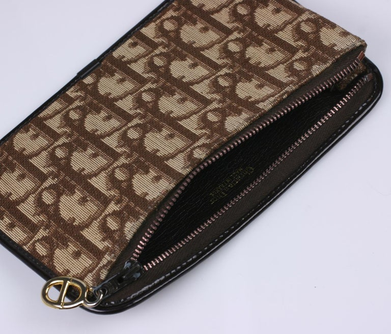 Christian Dior Logo Pochette In Excellent Condition For Sale In Riverdale, NY