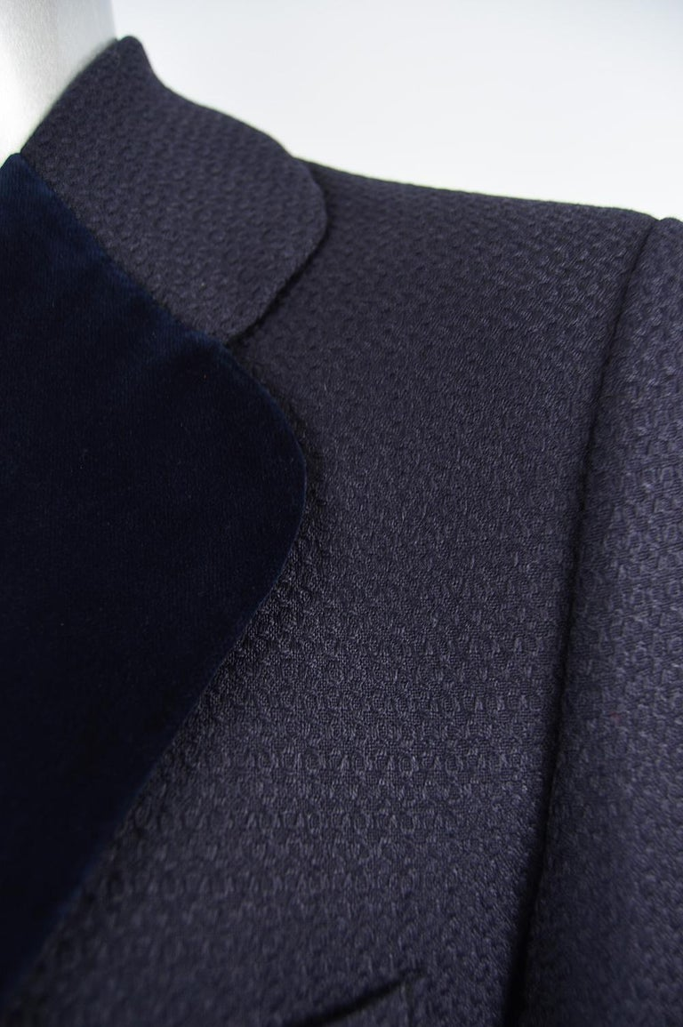 Christian Dior Men's Vintage Dark Blue Wool Jacquard & Velvet Dinner Jacket In Good Condition For Sale In Doncaster, South Yorkshire