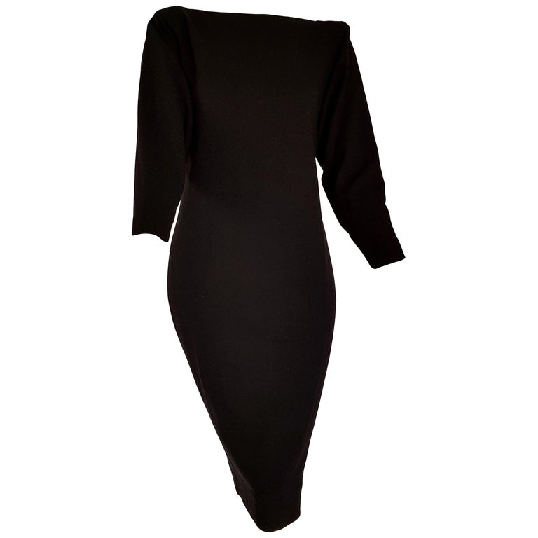 Christian DIOR black, wool, with contours and bow in silk satin on the back, evening dress gown - Unworn, New  SIZE: equivalent to about Small / Medium, please review approx measurements as follows in cm: lenght 105, chest underarm to underarm 48,