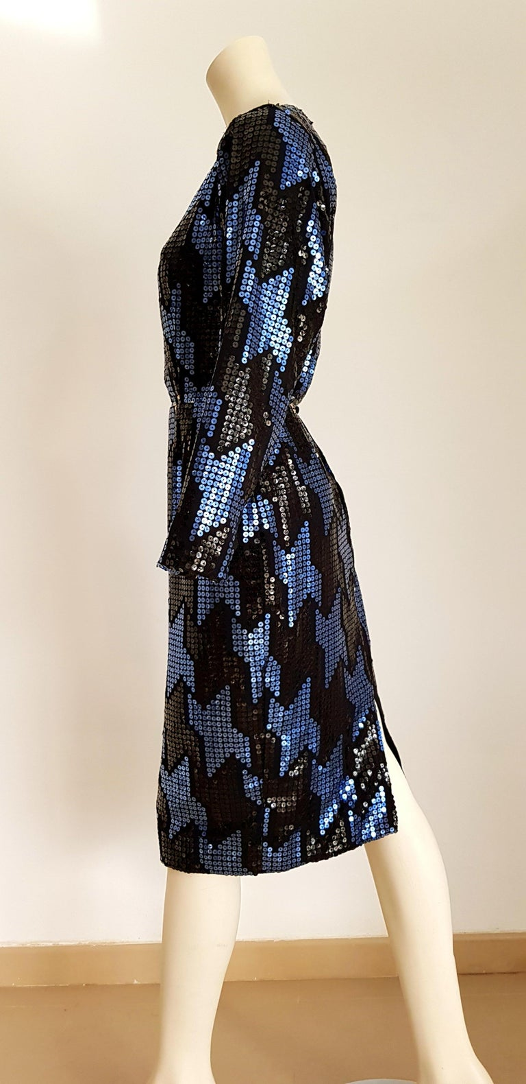 Christian DIOR Haute Couture blue and black sequins couvered, organza silk - Unworn, new  SIZE: equivalent to about Small / Medium, please review approx measurements as follows in cm: lenght 106, chest underarm to underarm 49, bust circumference 88,
