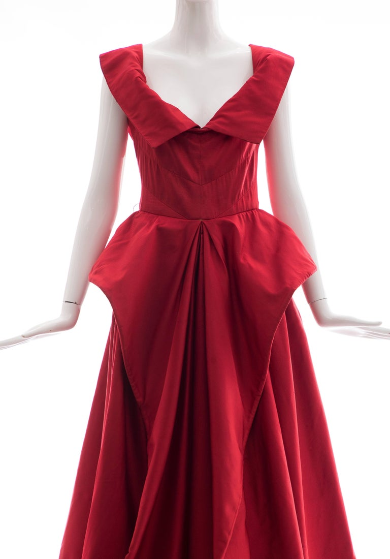Christian Dior New York Demi Couture Silk Scarlet Evening Dress, Circa 1950s In Good Condition For Sale In Cincinnati, OH