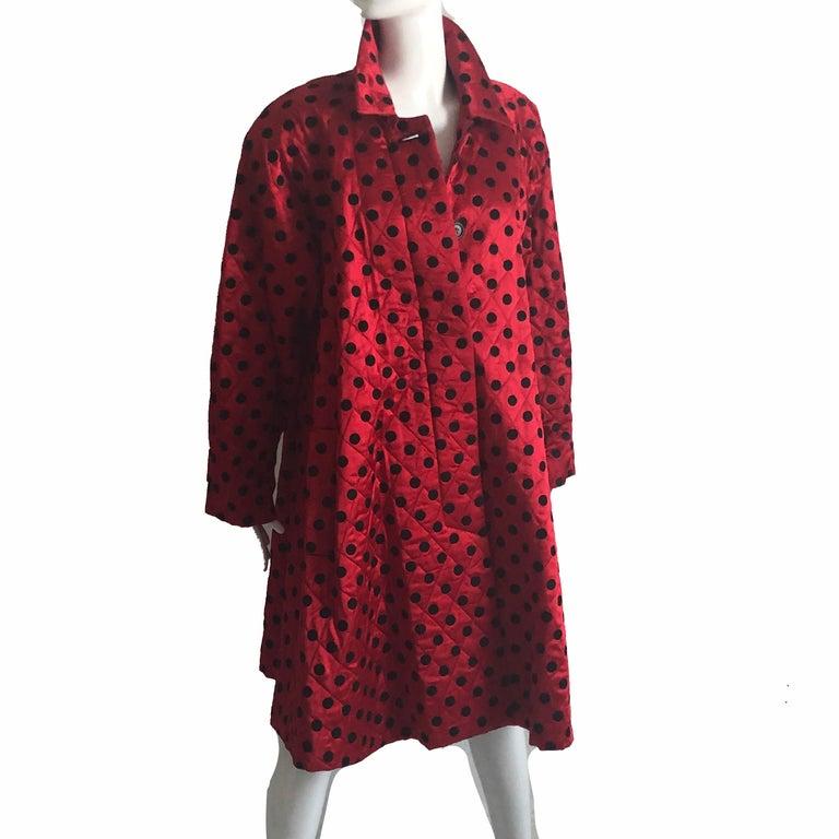 Christian Dior Polka Dot Evening Coat Voluminous Silk Satin Red Vintage Sz 10 For Sale 1