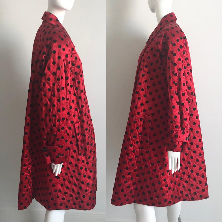 Christian Dior Polka Dot Evening Coat Voluminous Silk Satin Red Vintage Sz 10 For Sale 2