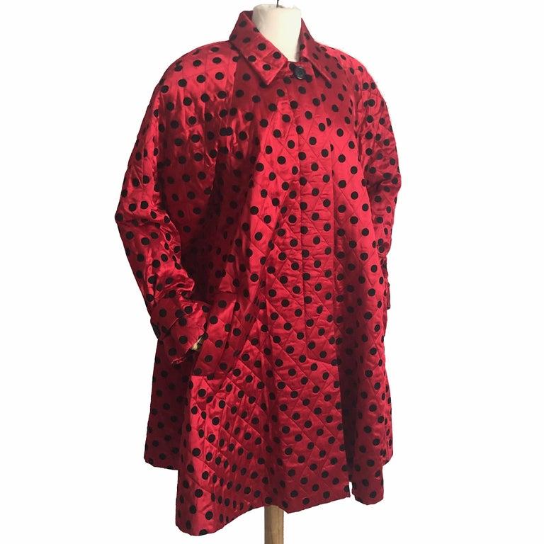 Christian Dior Polka Dot Evening Coat Voluminous Silk Satin Red Vintage Sz 10 For Sale 4