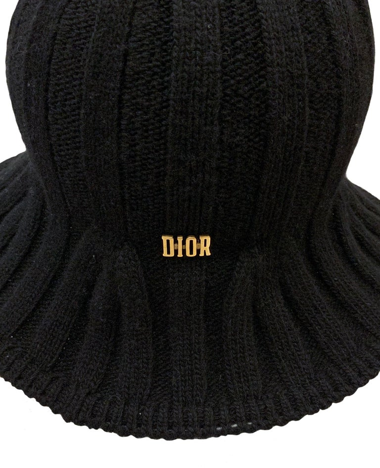 Christian Dior Pre-Fall 2019 Arty Heather Knit Tulip Hat In Excellent Condition For Sale In Geneva, CH