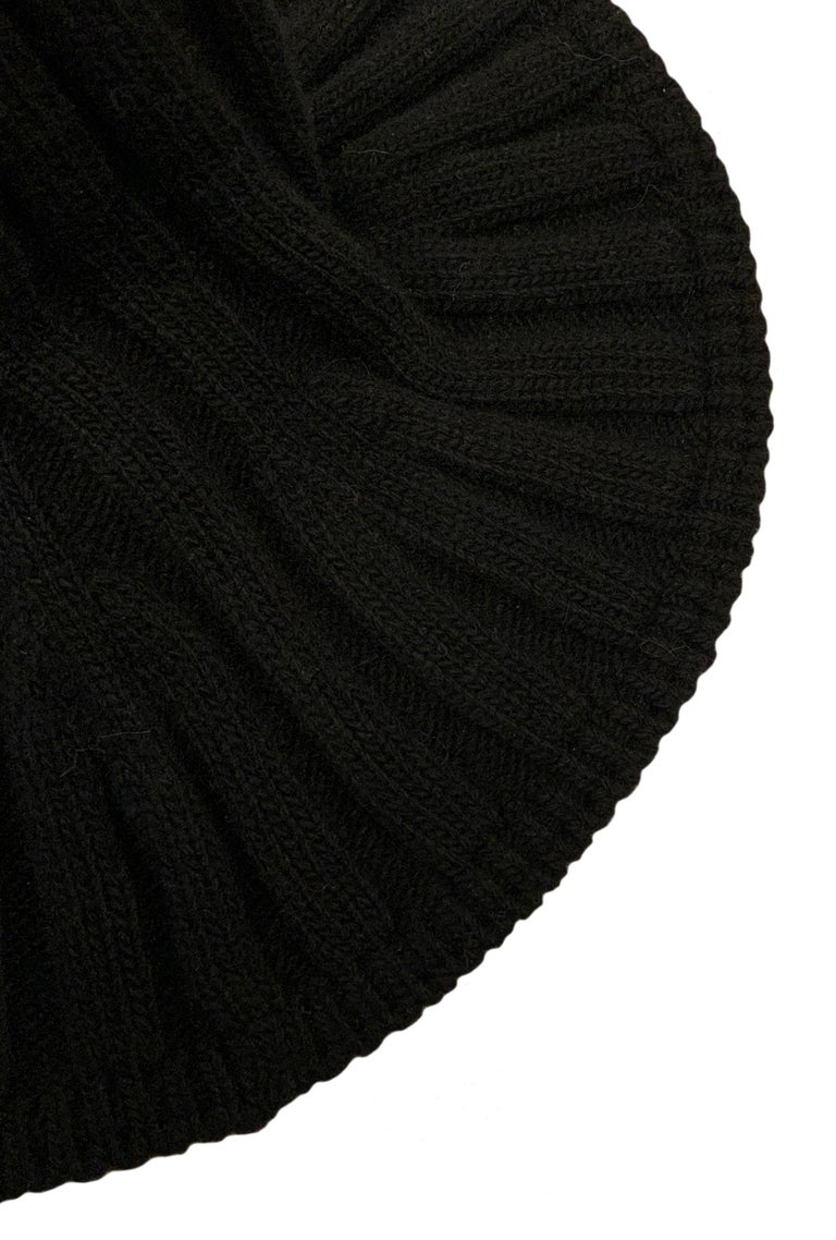 Women's or Men's Christian Dior Pre-Fall 2019 Arty Heather Knit Tulip Hat For Sale
