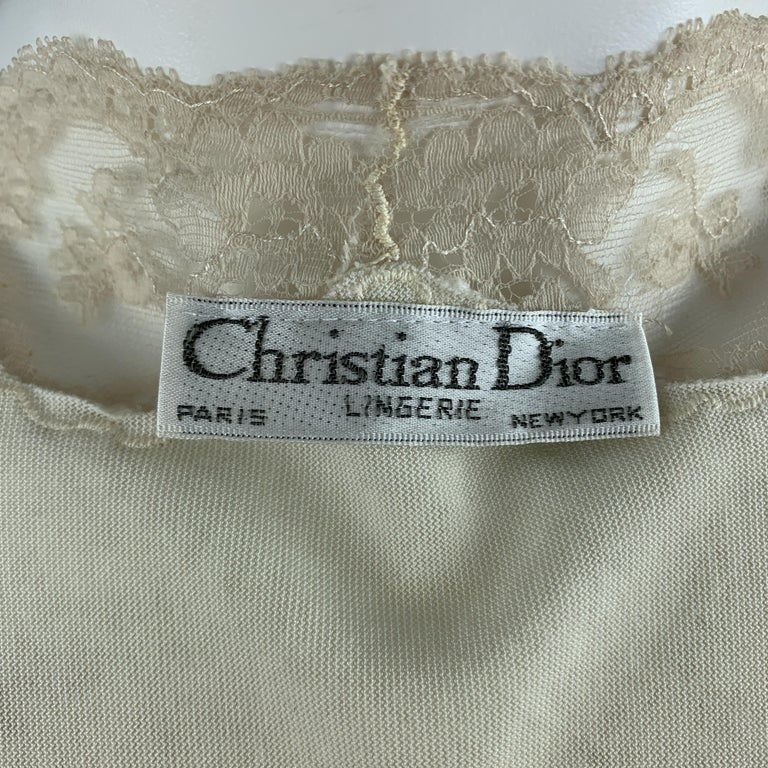 CHRISTIAN DIOR Size M Cream Crushed Velvet Lce Trim Cropped Robe Top For Sale 3