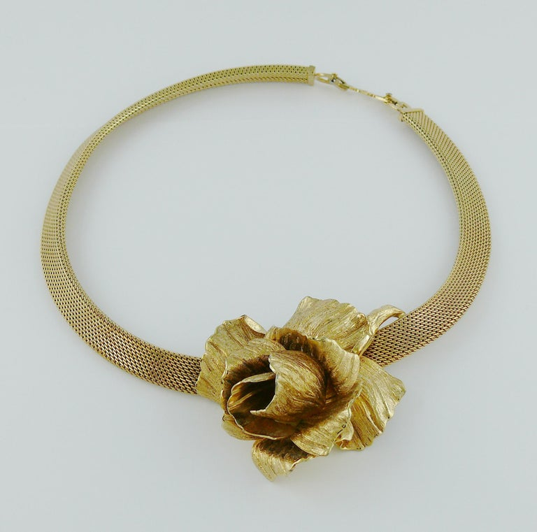 Christian Dior Vintage Collar Necklace with Three Dimensional Textured Rose In Good Condition For Sale In Nice, FR