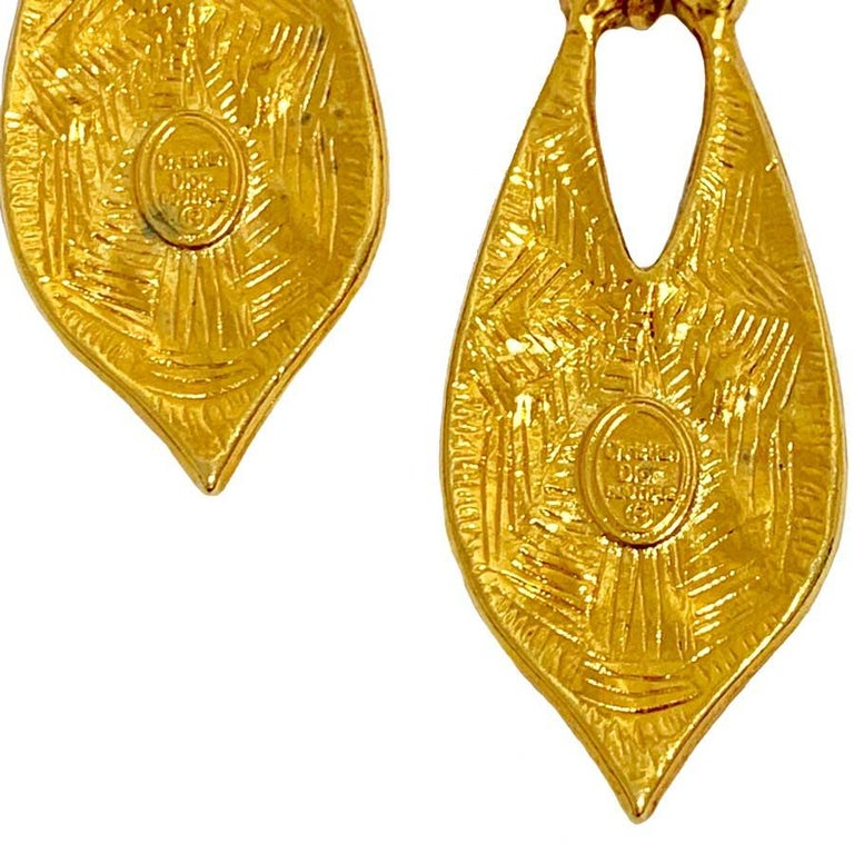 CHRISTIAN DIOR Vintage Gold Earrings In Good Condition For Sale In Paris, FR
