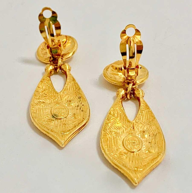 CHRISTIAN DIOR Vintage Gold Earrings For Sale 2