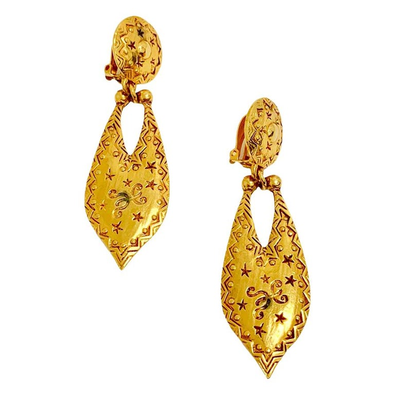 CHRISTIAN DIOR Vintage Gold Earrings For Sale