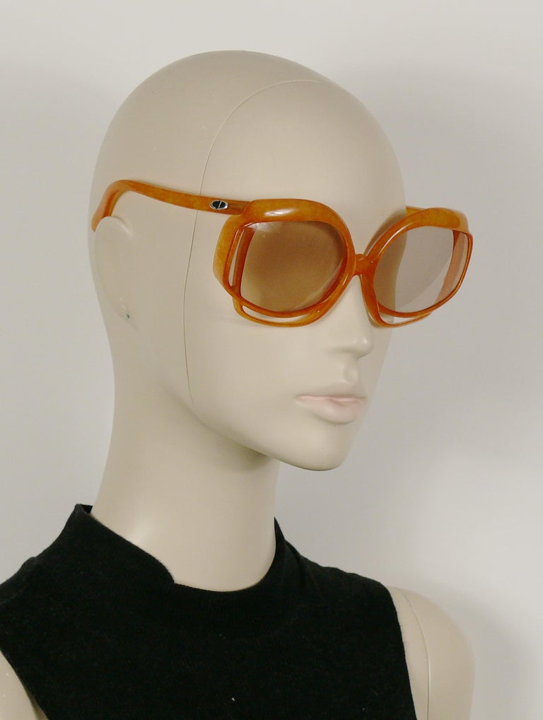 Women's Christian Dior Vintage Oversized Sunglasses Model 2026-30 For Sale