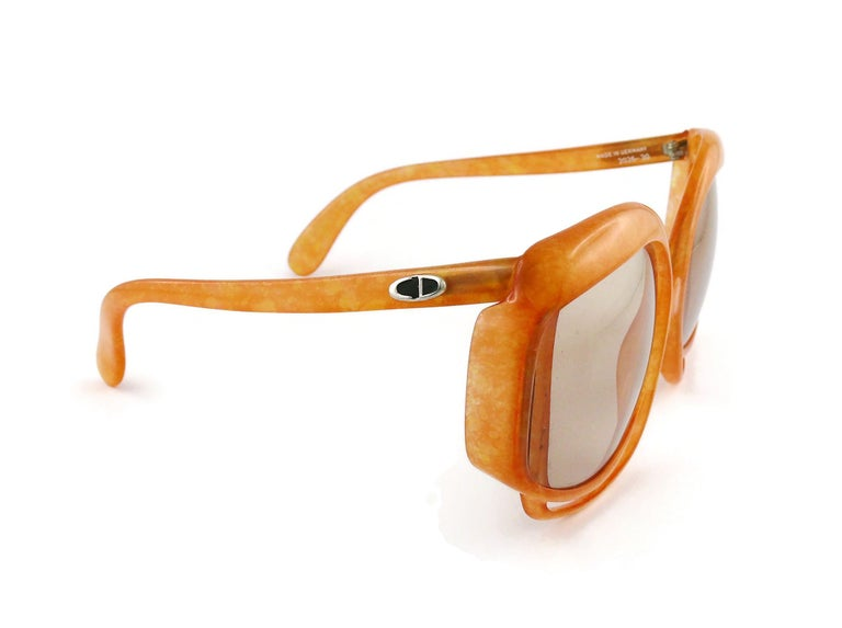 Christian Dior Vintage Oversized Sunglasses Model 2026-30 In Fair Condition For Sale In Nice, FR