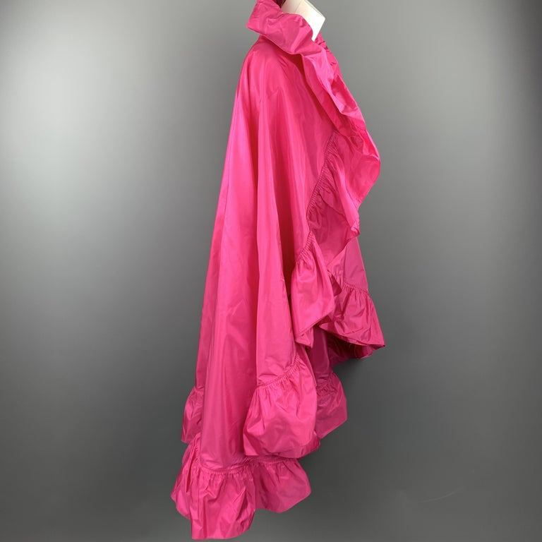 CHRISTIAN DIOR Vintage Pink Silk Taffeta Pleated Ruffle Shawl In Excellent Condition For Sale In San Francisco, CA