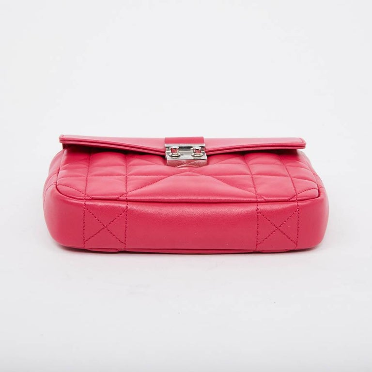 e50dd398b2 CHRISTIAN DIOR Wallet On Chain Miss Dior Bag in Quilted Soft Pink Leather  For Sale 2
