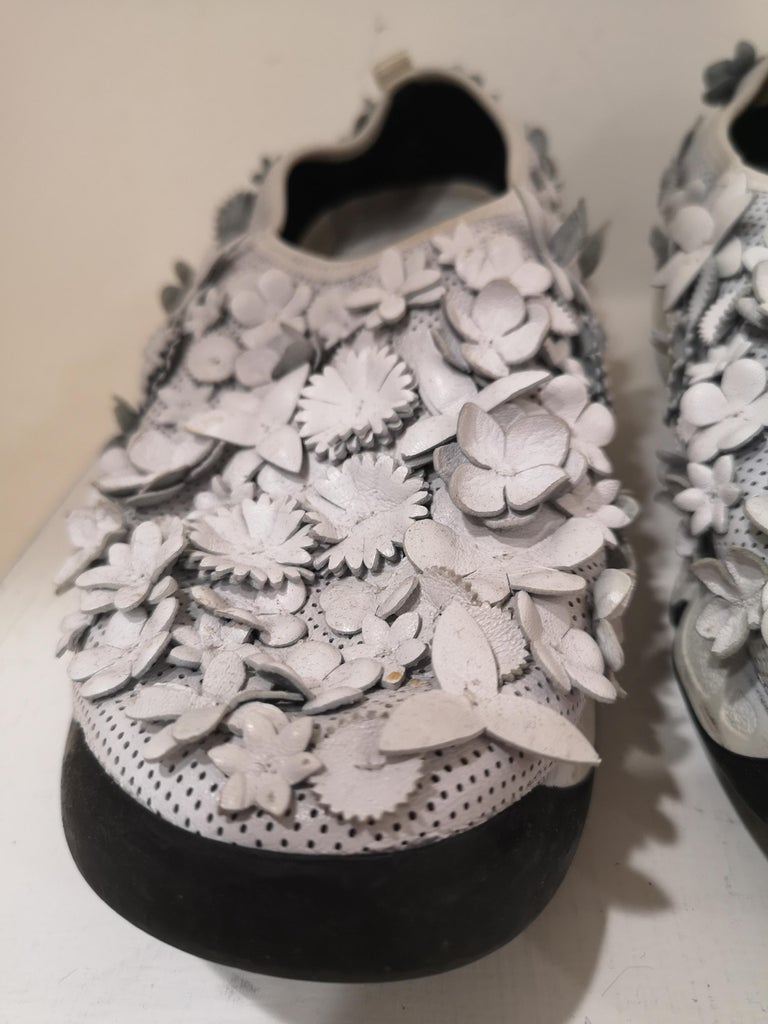 Women's Christian Dior White flowers Shoes unworn For Sale