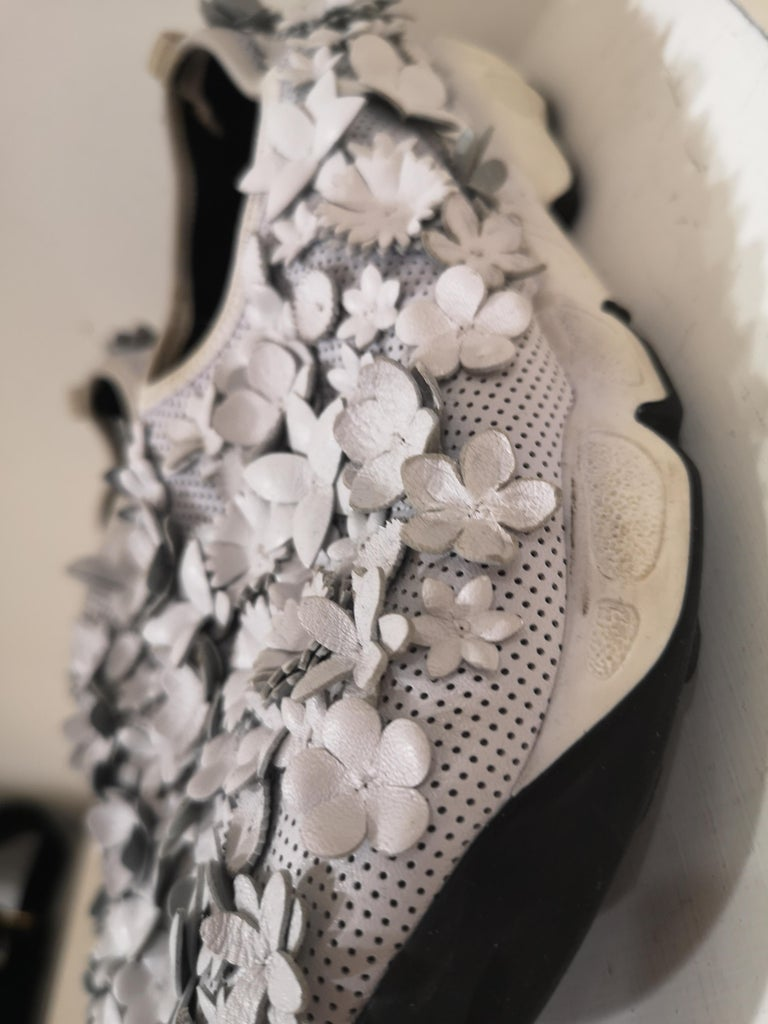 Christian Dior White flowers Shoes unworn For Sale 2