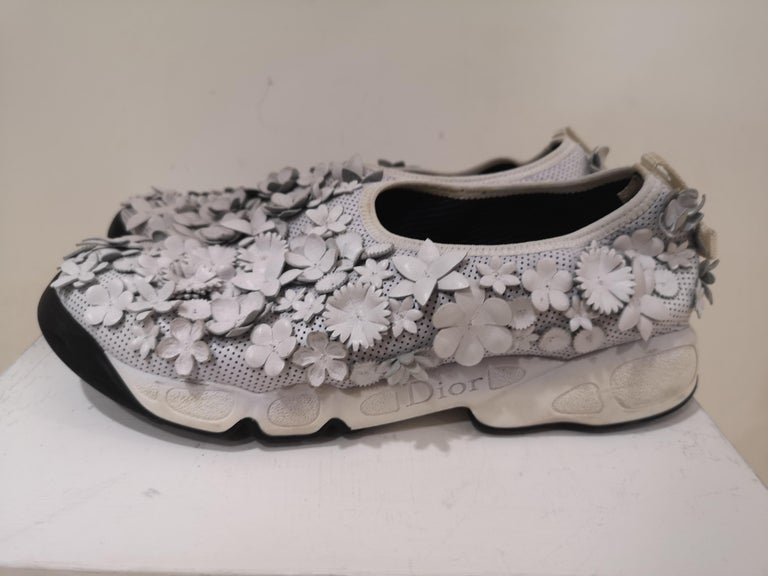 Christian Dior White flowers Shoes unworn For Sale 3