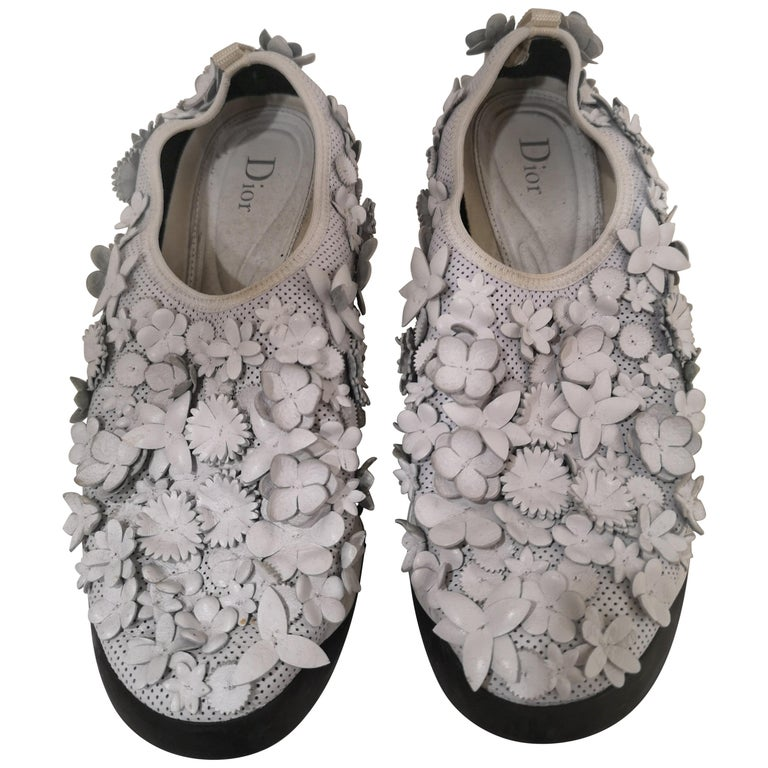 Christian Dior White flowers Shoes unworn For Sale