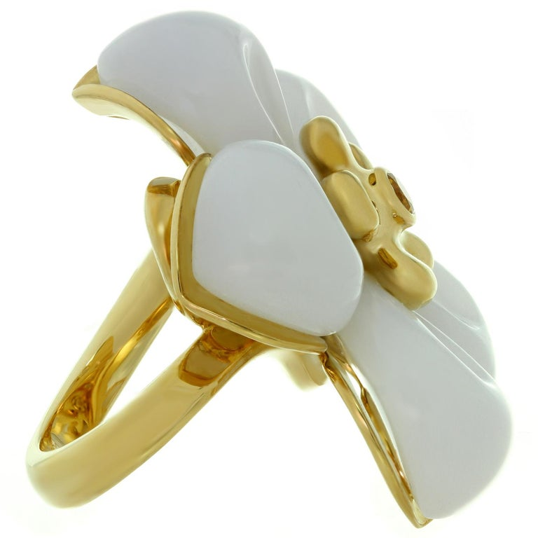 Christian Dior White Jade Sapphire Yellow Gold Flower Ring For Sale 1