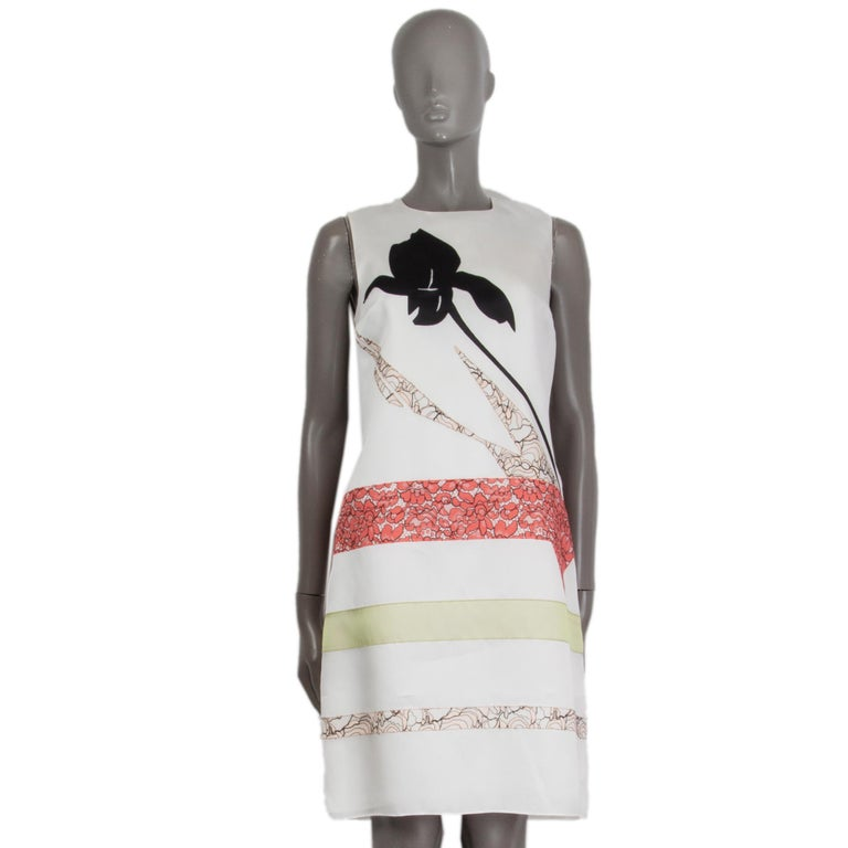 CHRISTIAN DIOR white silk LACE PANELED Cocktail Dress 38 S In Excellent Condition For Sale In Zürich, CH