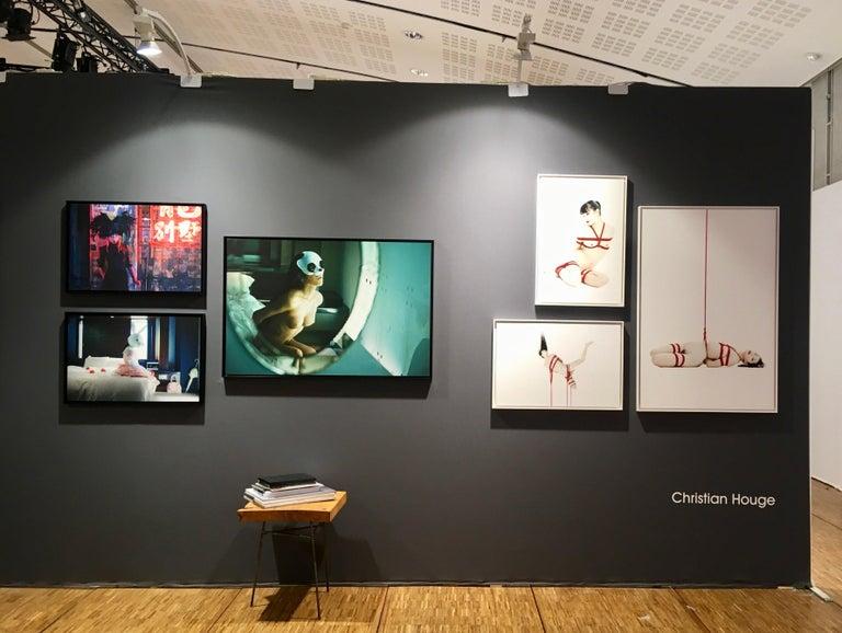Tanoshimi/Idami, Okurimono series, Christian Houge - Fine Art nude photography - Contemporary Photograph by Christian Houge