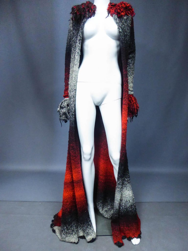 Christian Lacroix Couture Long Woollen Coat Numbered 7809 Circa 1985 In Excellent Condition For Sale In Toulon, FR