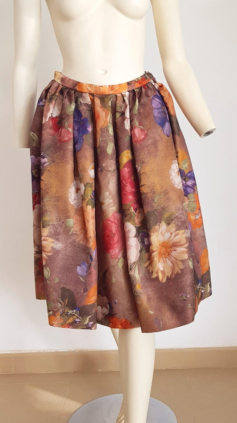 Women's Christian LACROIX green top and artwork floral theme skirt- Unworn New with tags For Sale