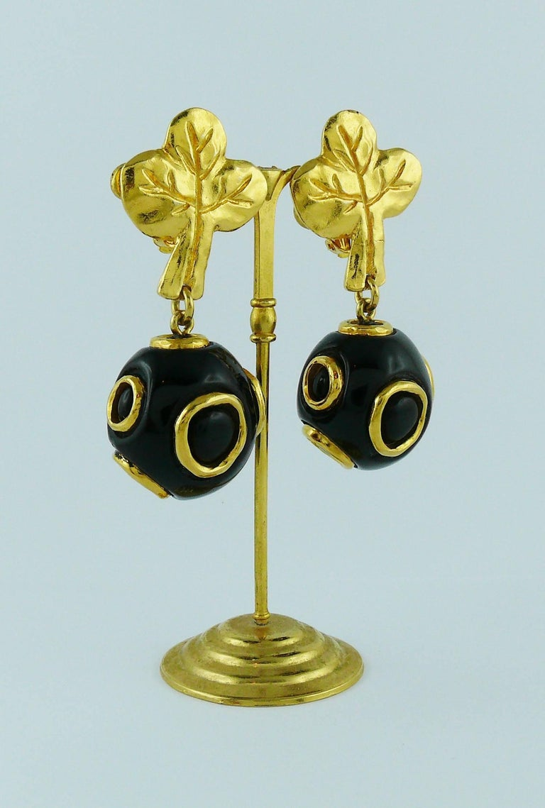 Christian Lacroix Vintage Abstract Tree and Ball Dangling Earrings In Good Condition For Sale In Nice, FR