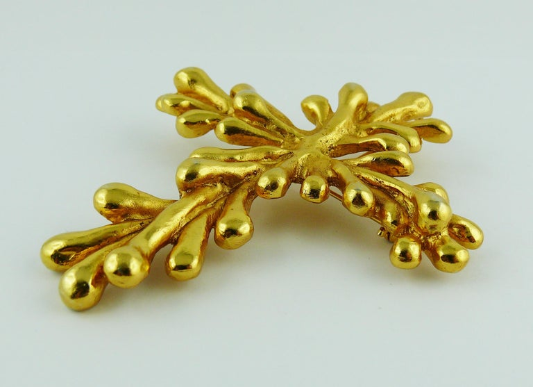Christian Lacroix Vintage Gold Toned Cross Pendant Necklace For Sale 3