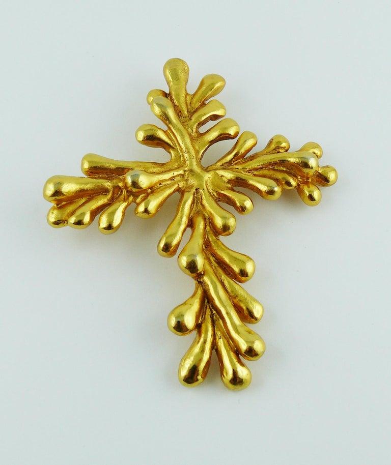 Christian Lacroix Vintage Gold Toned Cross Pendant Necklace For Sale 4