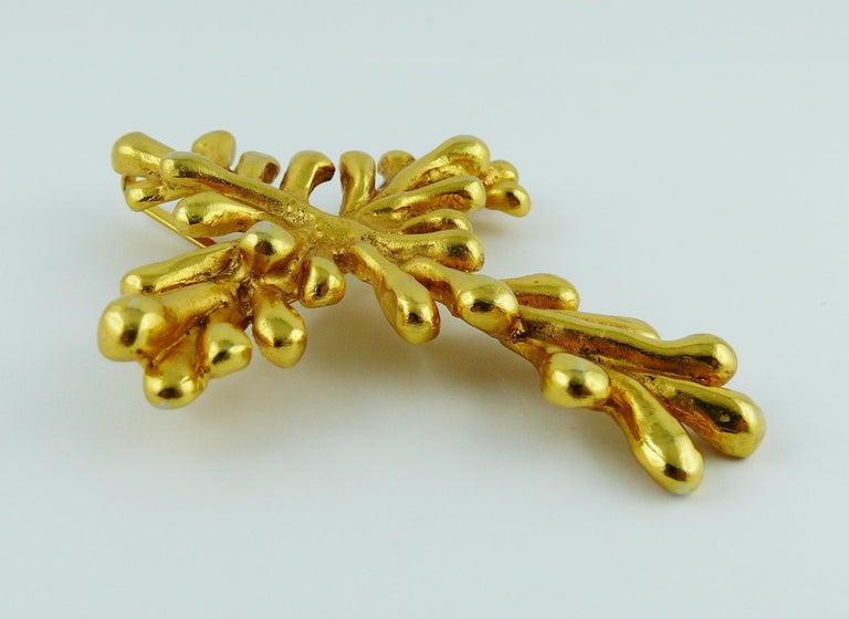 Christian Lacroix Vintage Gold Toned Cross Pendant Necklace For Sale 5