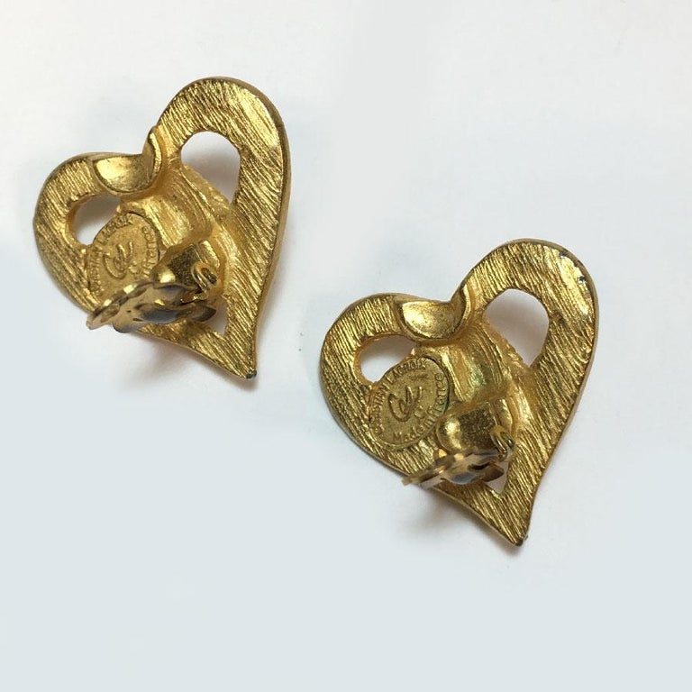 Christian Lacroix Vintage Heart Clip Earrings In Good Condition For Sale In Paris, FR