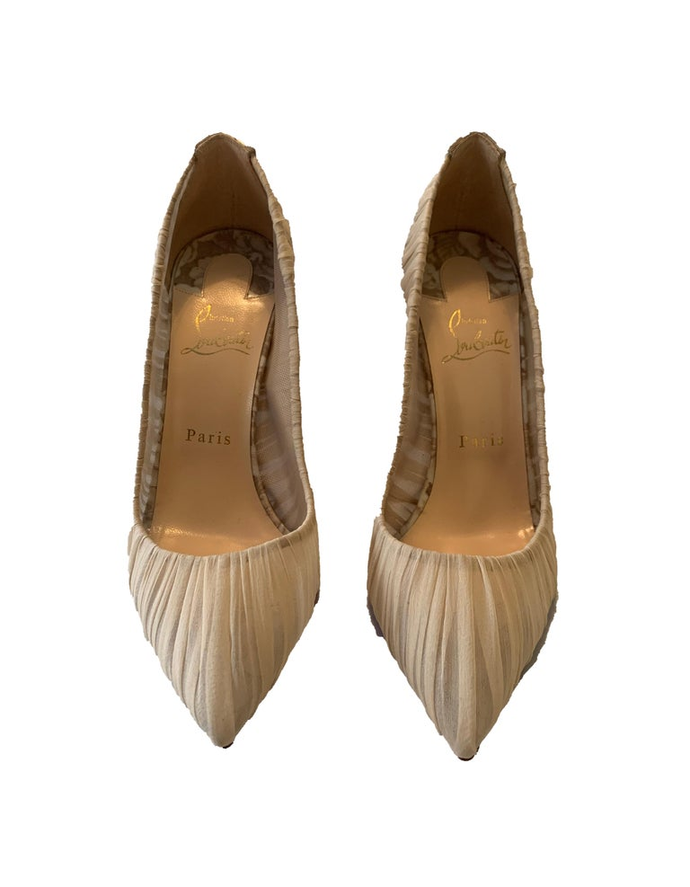 Christian Louboutin Beige Follie Draperia Chiffon Rosette Pumps sz 39.5 In New Condition In New York, NY