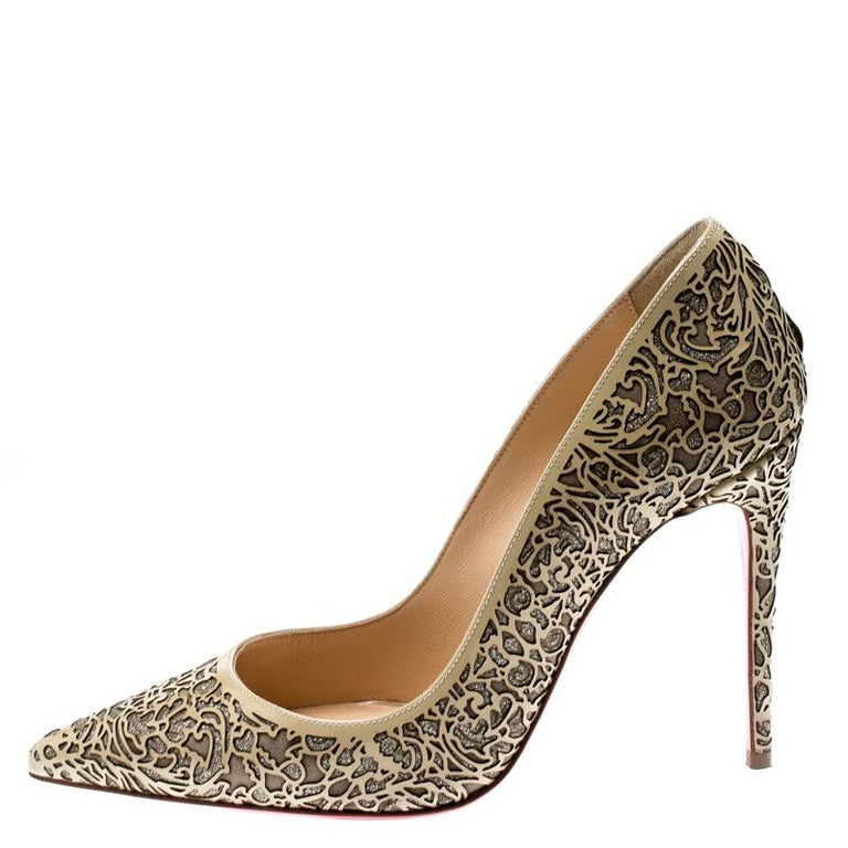 Christian Louboutin has come out with yet another pair of cozy yet contemporary pumps. Step out in style wearing this So Pretty pair, crafted with laser-cut patent leather and glitter. This beige pair would certainly be a significant addition to