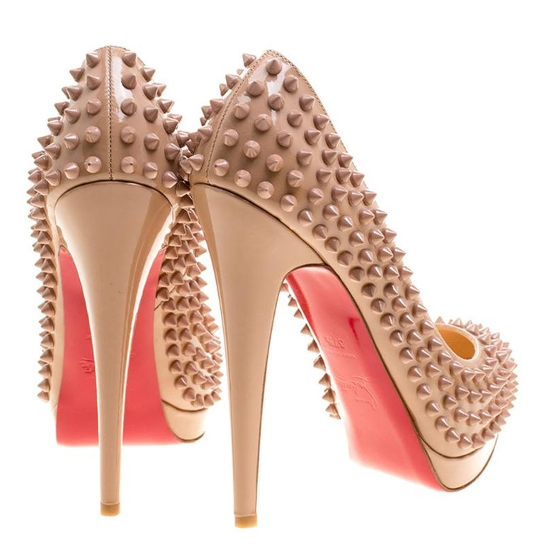 Christian Louboutin Beige Patent Alti Spikes Platform Pumps Size 37.5 In Excellent Condition For Sale In Dubai, AE