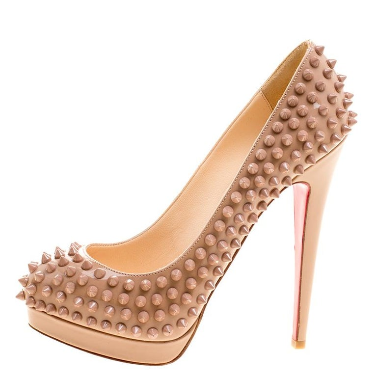 Women's Christian Louboutin Beige Patent Alti Spikes Platform Pumps Size 37.5 For Sale
